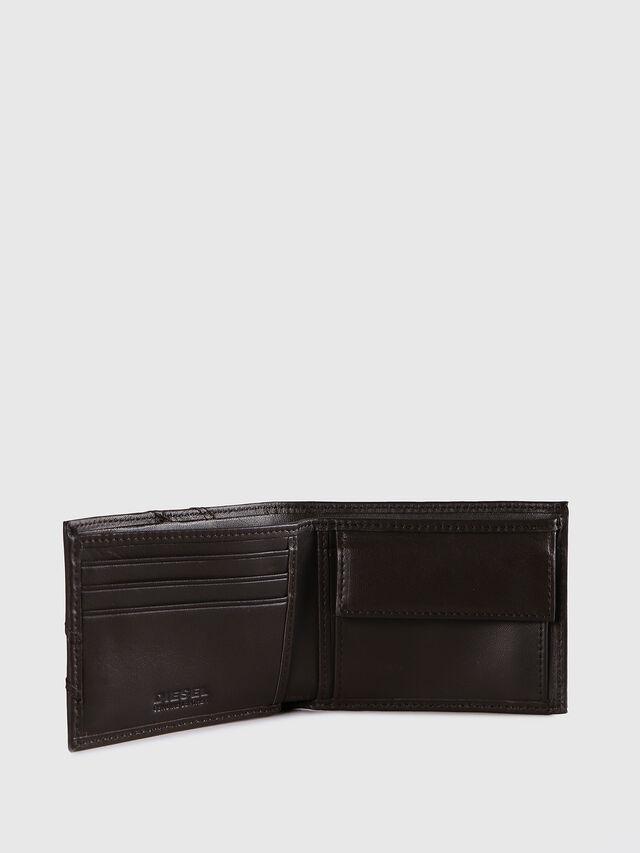 Diesel HIRESH XS, Dark Brown - Small Wallets - Image 3
