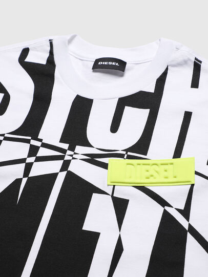 Diesel - TLUCASSLY1 OVER, White/Black - T-shirts and Tops - Image 3